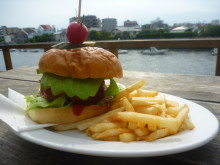 DIEGO BY THE RIVER-blog-バーガテラス